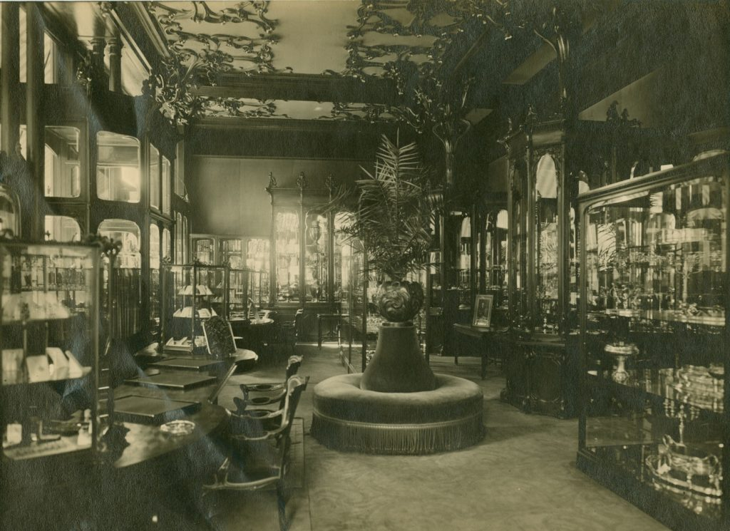 beeld van antieke winkelinterieur Anthony